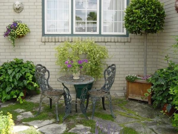 διακόσμηση κήπου με αντίκες6