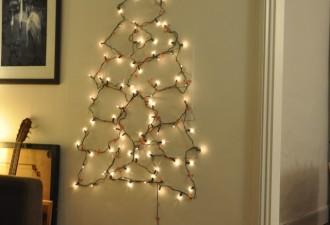Πρωτότυπο χριστουγεννιάτικο δέντρο τοίχου από κρεμάστρες